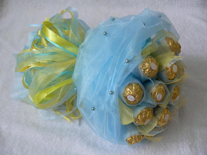 Мини букеты из конфет своими руками для начинающих пошагово